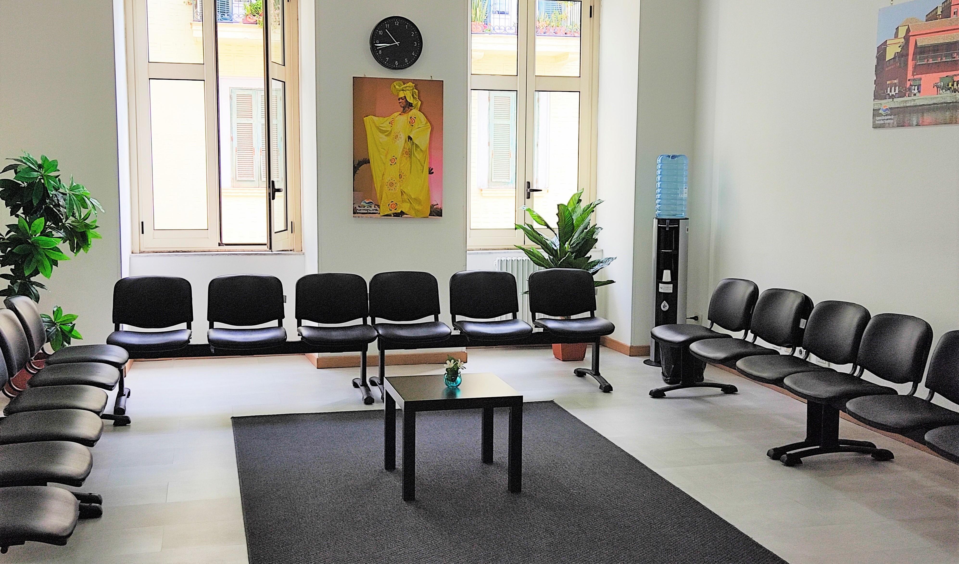 Salle d'attente consulat